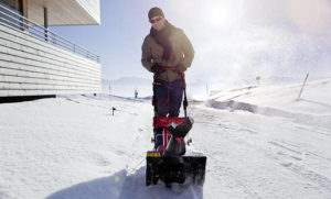 Надежный снегоуборщик