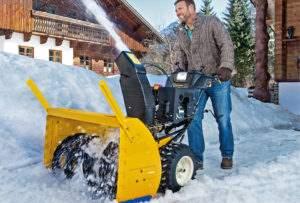 Работа снегоуборщика