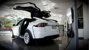 Tesla model X - зарядка автомобиля