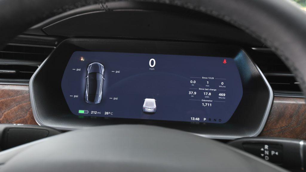 Tesla Model S - бортовой компьютер