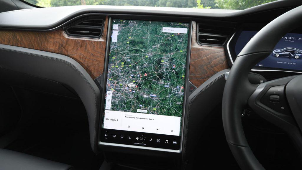Tesla Model S - спутниковая карта гугл